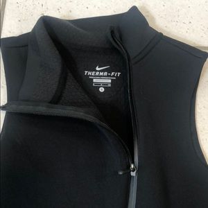 Nike woman sports vest